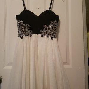 Blondie Nites homecoming/prom dress